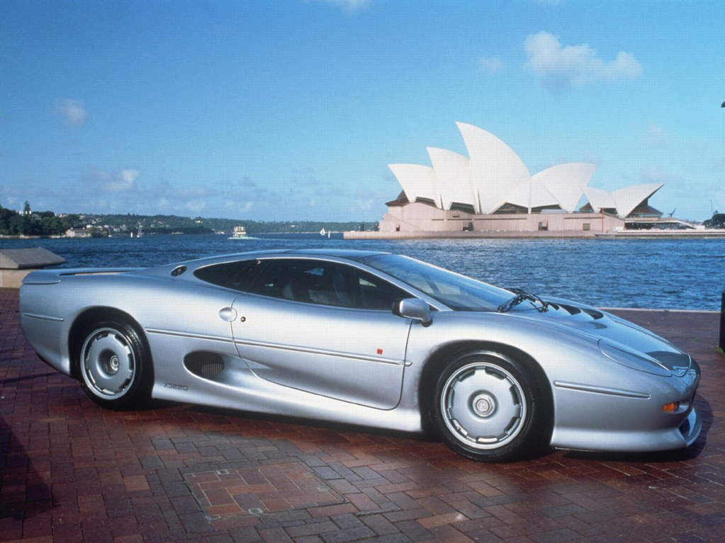 Photo jaguar xj220, wallpaper jaguar xj220, image jaguar xj220, fond d'ecran